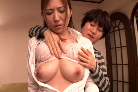 [DVDES-730] A young man licks a mother's breast 3(English sub)